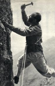 Cassin arrampica
