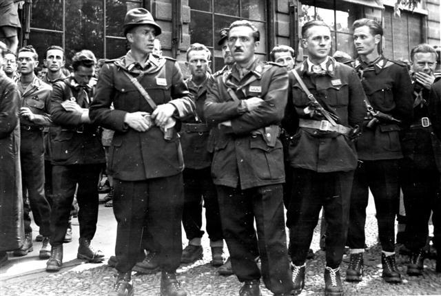 1945 : Partigiani copia