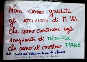 Cartello anti attivisti